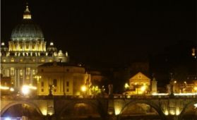 Group Guided Tour: Illuminated Rome - Mysteries & Legends